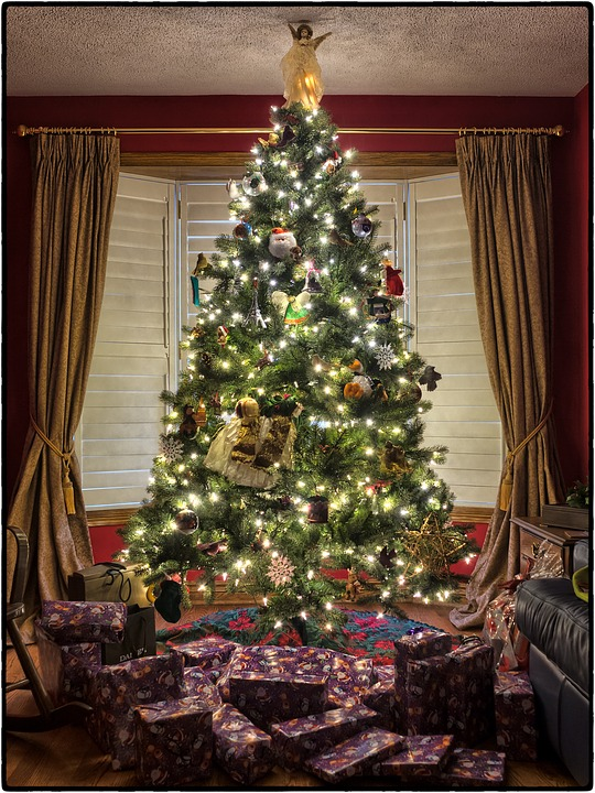 Christmas Holiday Bath and Shower Decor Ideas: Presents under tree