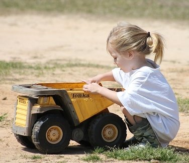 Tonka Heavy Duty Construction Company Metal Truck Toys: The Gift Ideas List Site